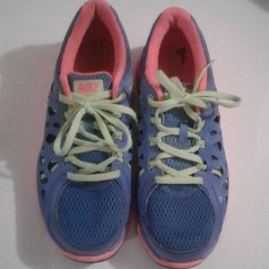 Nike Dual Fusion Run 2 sneakers